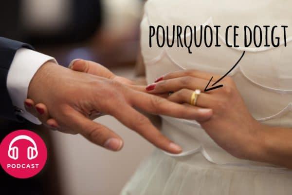 Pourquoi on met la bague de mariage dans l'annulaire de la main gauche ?